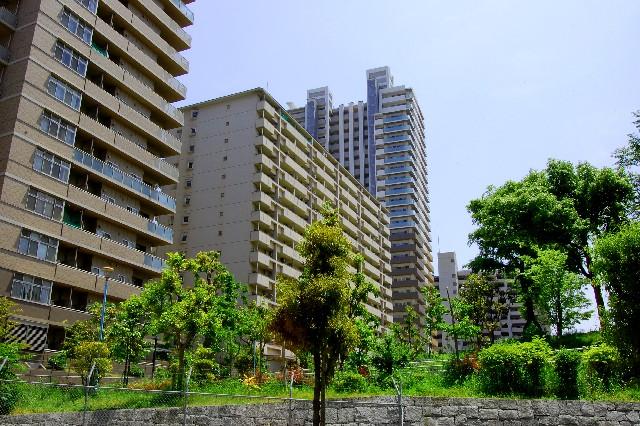 マンション売れずゴーストタウン化、中国